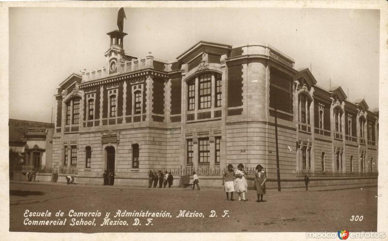 Escuela de Comercio y Administración