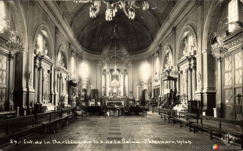 Interior de la Basílica de Nuestra Señora de La Salud