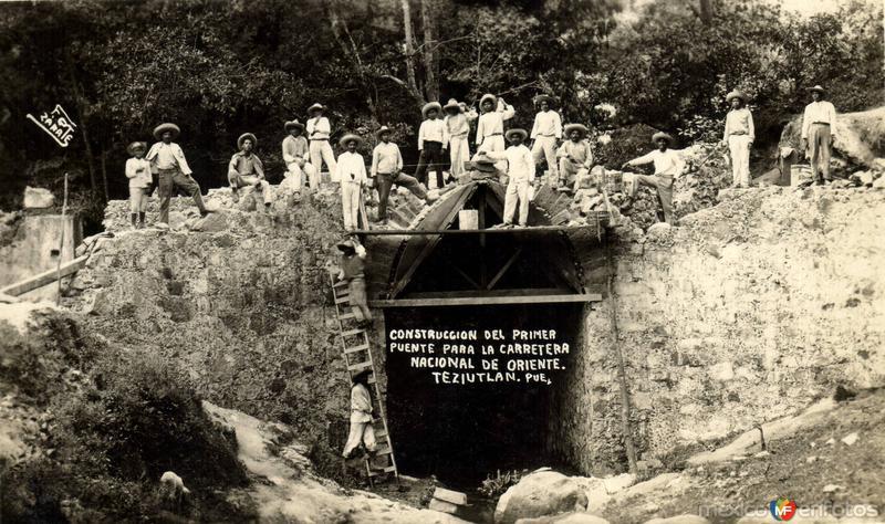 Construcción del primer puente para la Carretera Nacional de Oriente