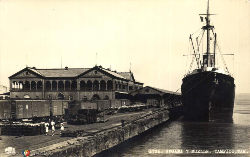 Aduana y muelle de Tampico