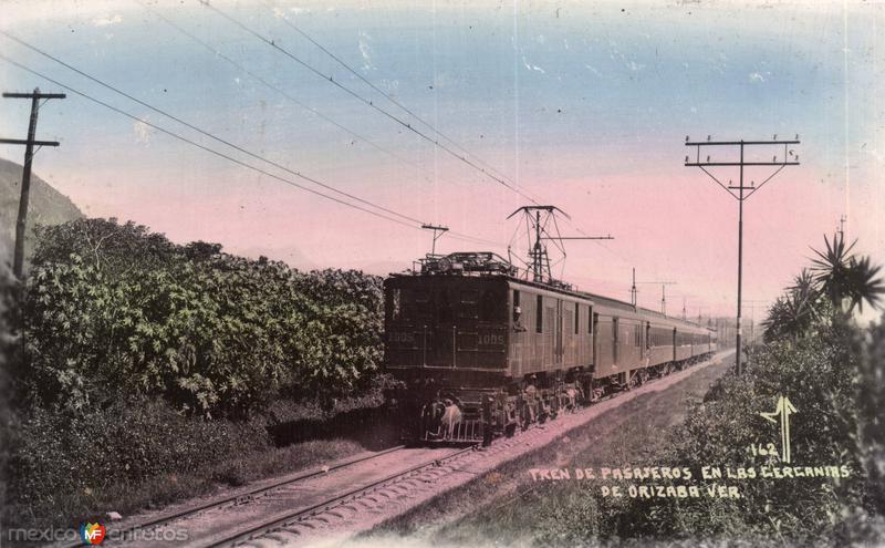 Tren de Pasajeros en las cercanias de Orizaba