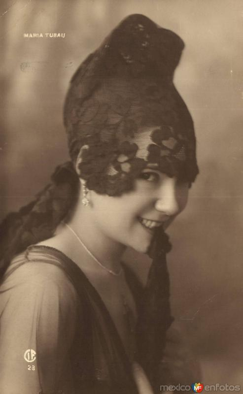 María Tubau