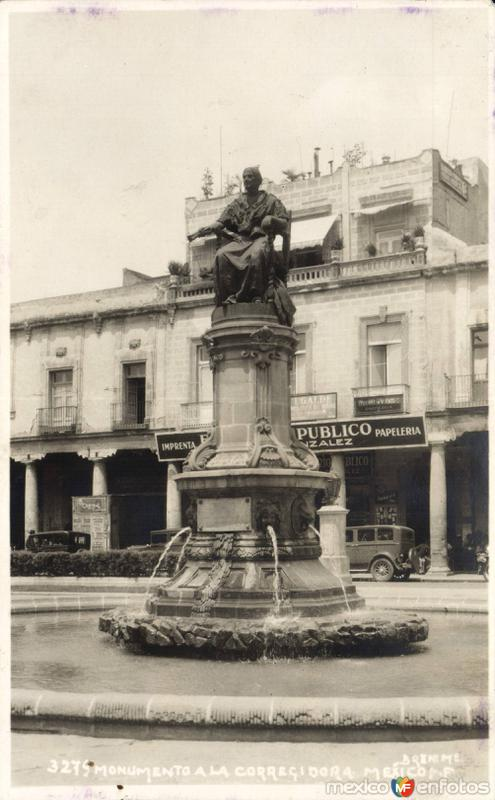 Monumento a la Corregidora