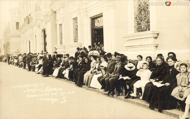 Concurrentes al desfile histórico. Guadalajara. Octubre 23 1910