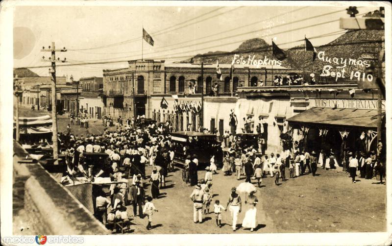 Desfile. Sept. 1910. Fiestas del Centenario de la Independencia Mexicana