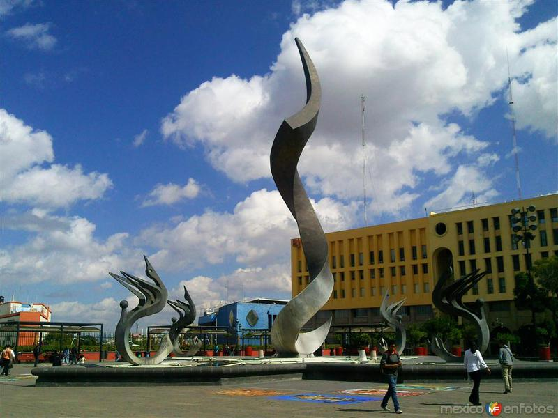 Representando la inmolación de Quetzacóatl