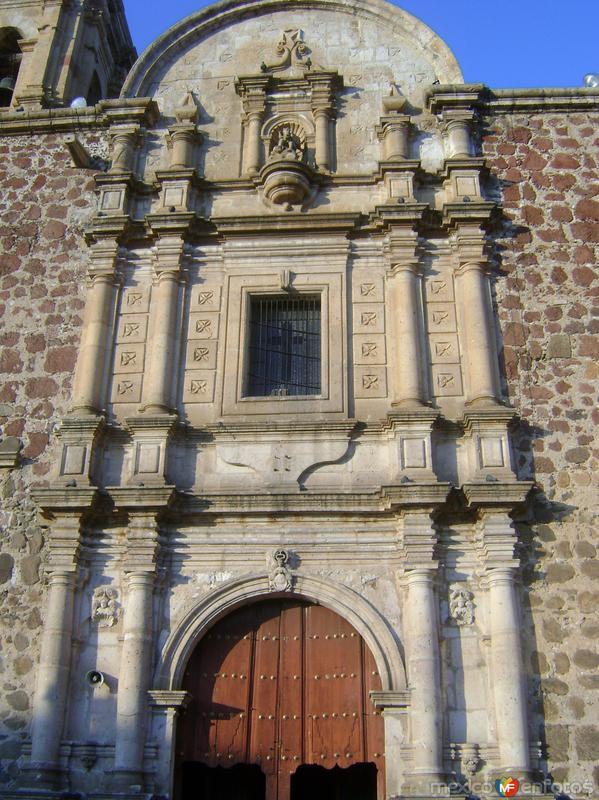 Fachada en cantera de la parroquia de la Purísima. Tequila. Noviembre/2011