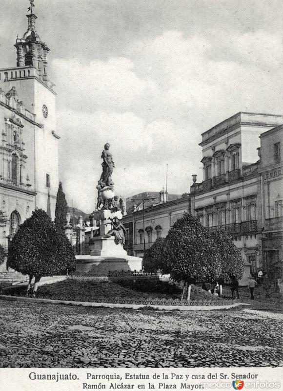 Parroquia y Plaza de la Paz