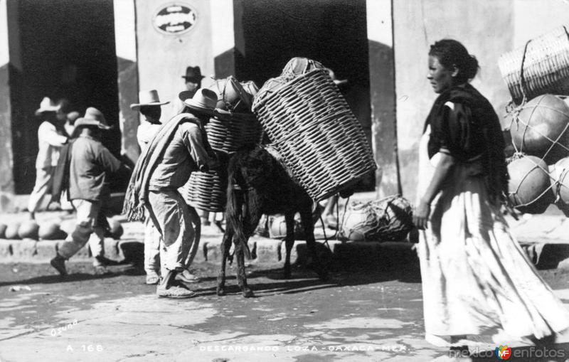 Descargando loza en Oaxaca