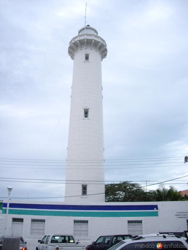 Faro Puerto Progreso