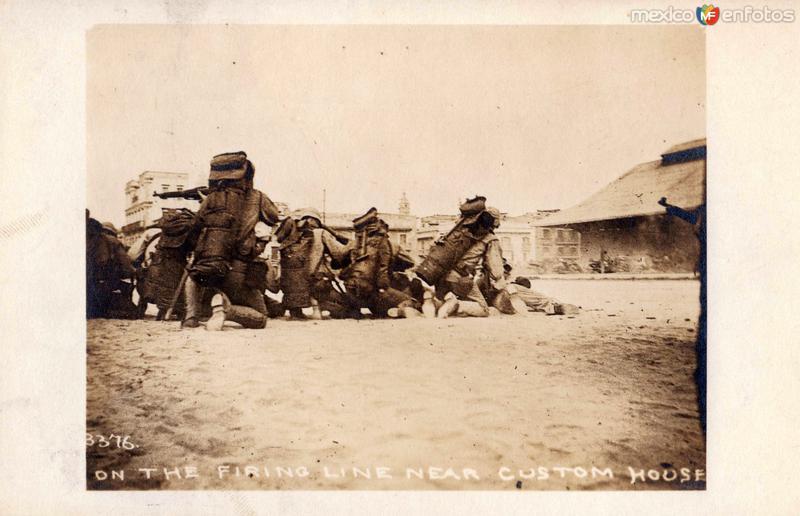 Línea de combate cerca de la Aduana de Veracruz en 1914