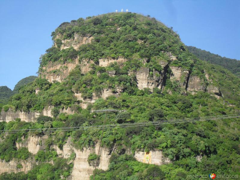 Cerros que rodean a Malinalco