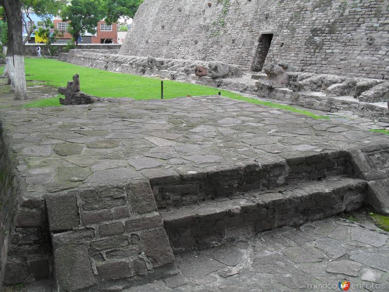 Figuras en la zona arqueologica