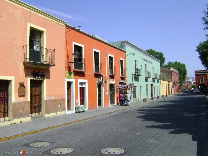 Av. Independencia y la fachada del Museo de la Memoria. Marzo/2012