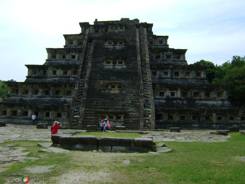 La Pirámide de los NIchos. Tajín, Marzo/2012