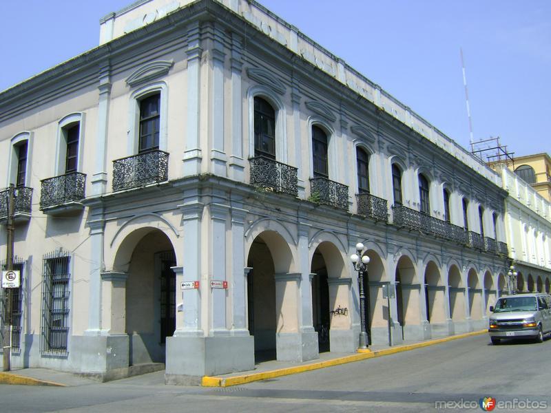 Portales de la avenida 3. Córdoba. Abril/2012