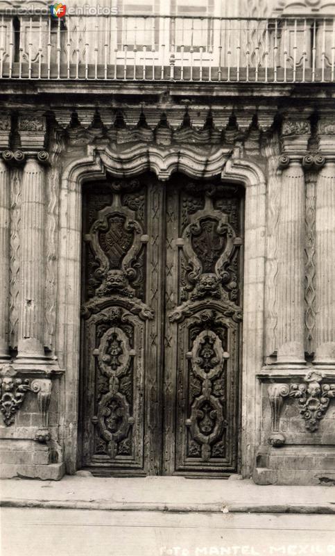 Puerta en el convento de Churubusco