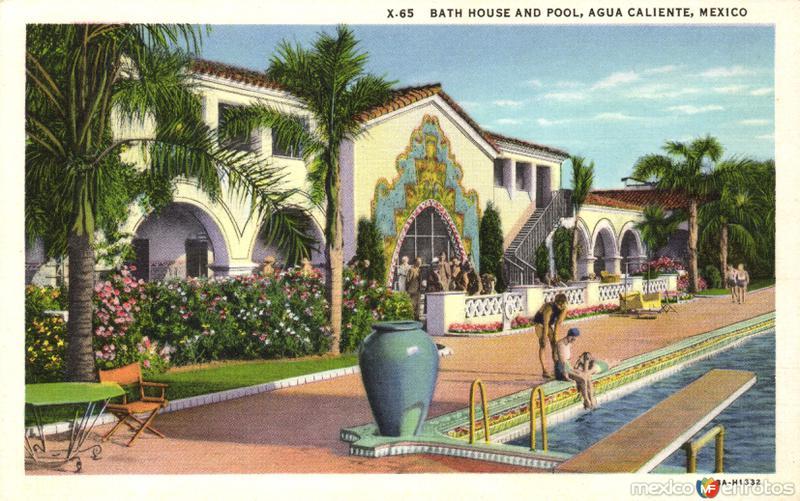 Baños y psicina del balneario de Agua Caliente