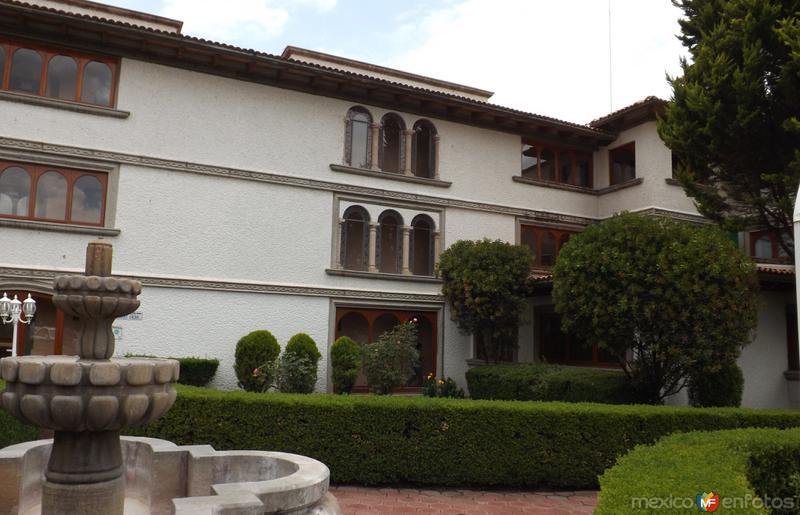 Jardines y arquitectura del Hotel Del Angel. Apizaco. Junio/2012