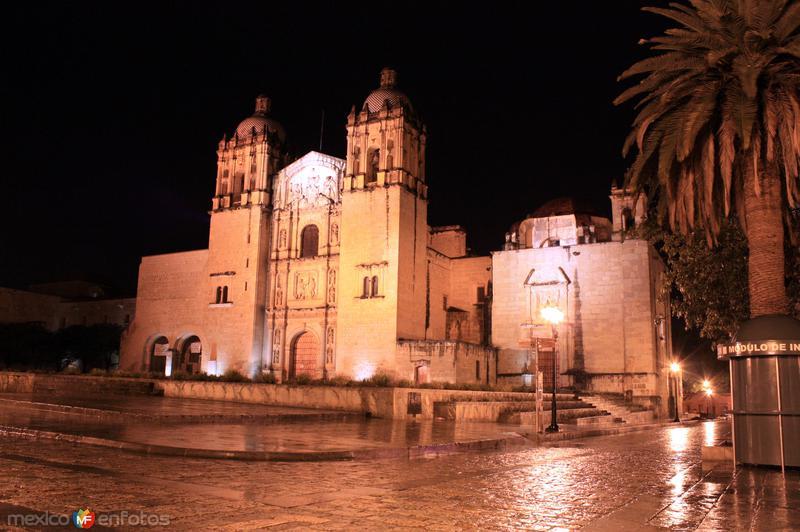 Santo Domingo de Guzmán en la noche
