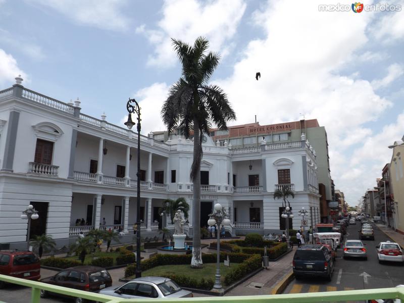 Edificio del Registro civil y Hotel Colonial. Veracruz. Julio/2012