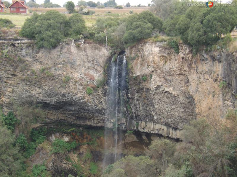 Hermosa cascada desde la ex-hacienda Santa María Regla. Noviembre/2012