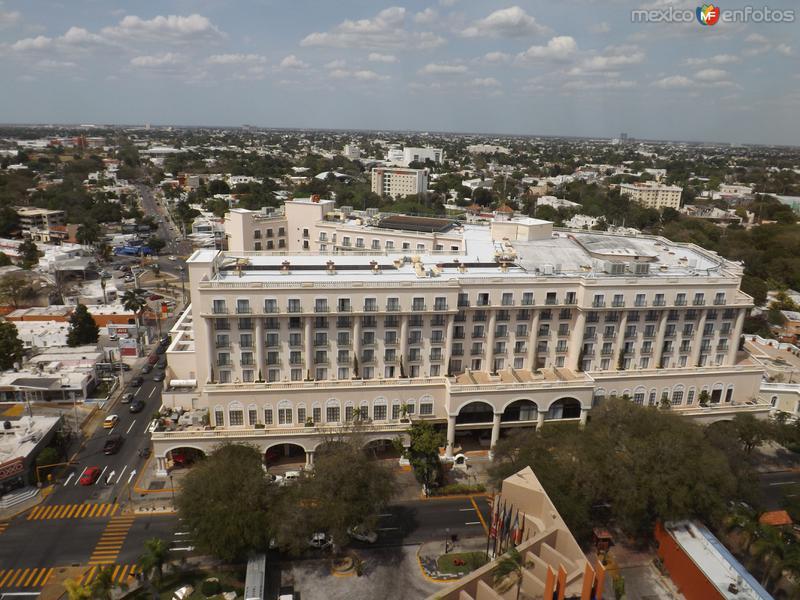 Hotel Fiesta Americana y el norte de Mérida. Abril/2013