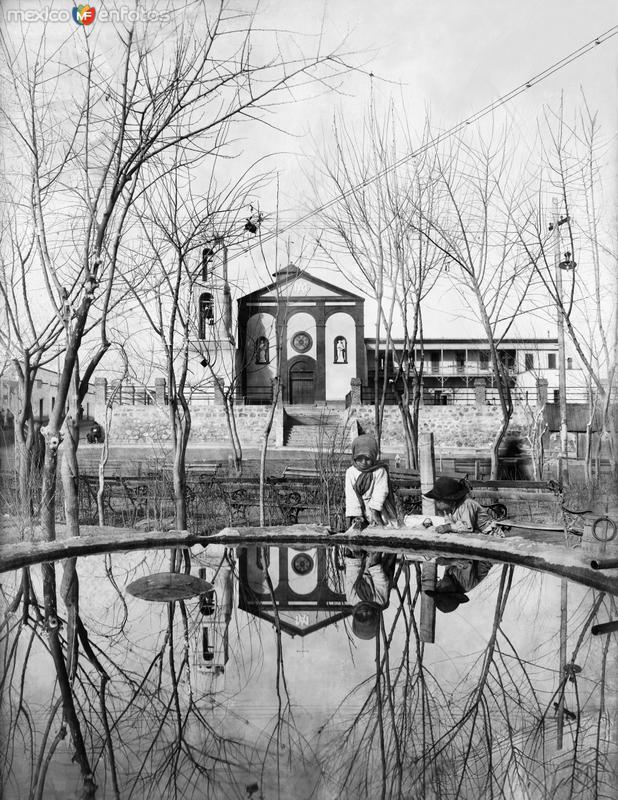 Misión de Guadalupe y Plaza de Armas (1907)