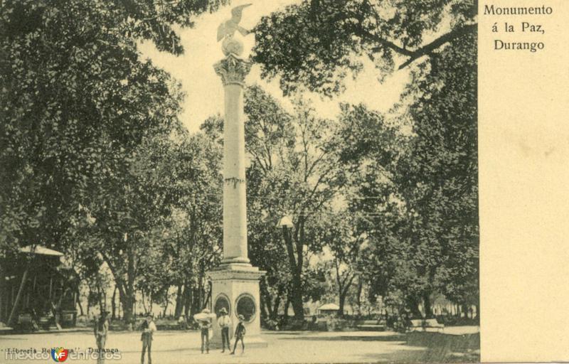 monumento a la paz en plaza baca ortiz
