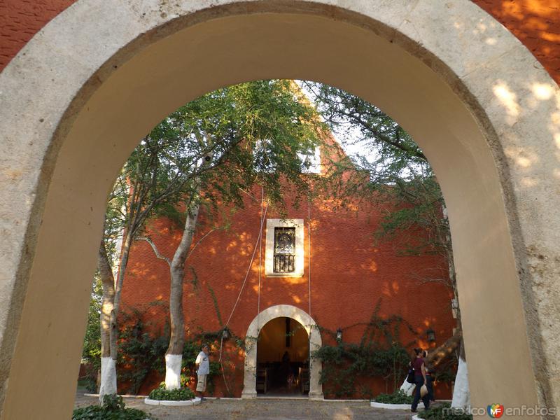 Capilla de la Ex-hacienda Teya, Yucatán. Abril/2013