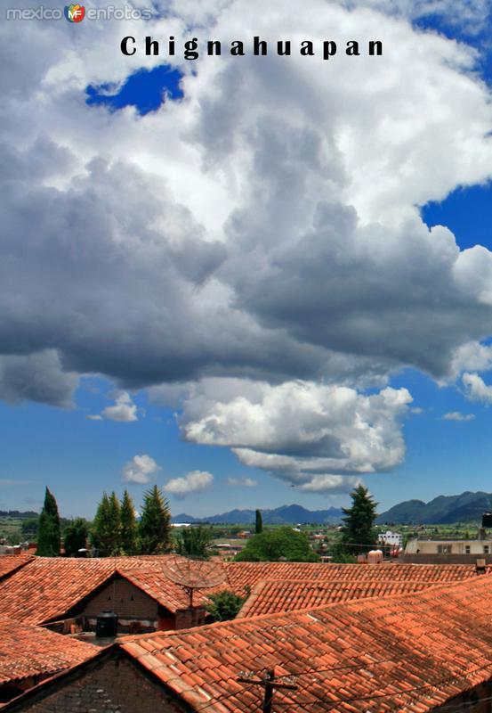 La belleza de los tejados, con sus grandes alerones, son Patrimonio Histórico de este bello Pueblo Mágico