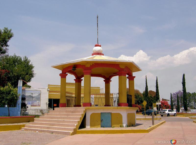 Kiosco en Santiago Apóstol