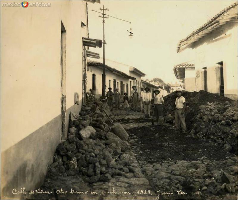 Calle de Viñas, en periodo de reconstrucción, de 1929
