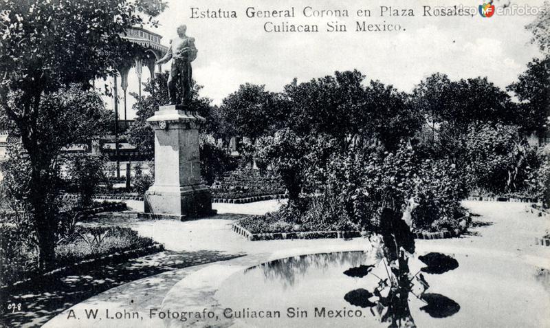 Estatua del General Corona, en la Plaza Rosales