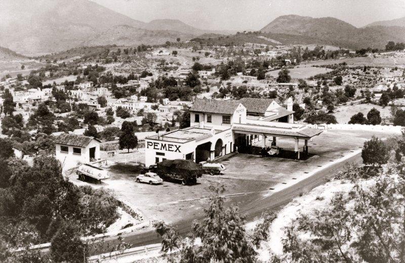 Parador turístico y gasolinería Pemex