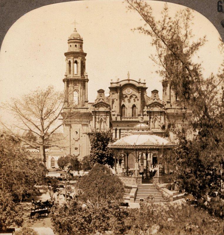 Plaza de Armas y Catedral de Hermosillo