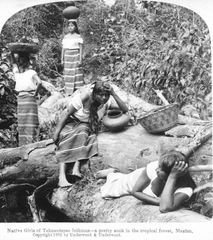 Mujeres Banandose Hacia 1900