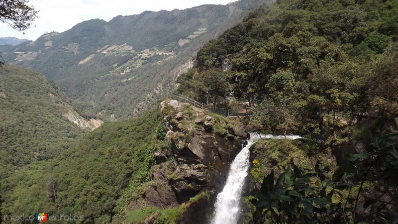 Cascadas de Quetzalapan y cañón del Río Lajajalpan. Mayo/2014