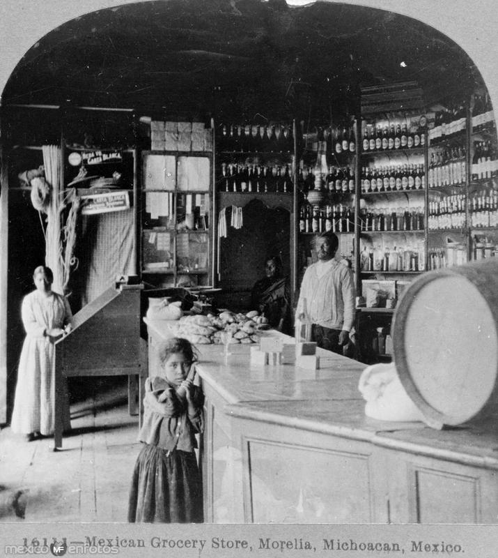 Una Tienda de Abarrotes Hacia 1900