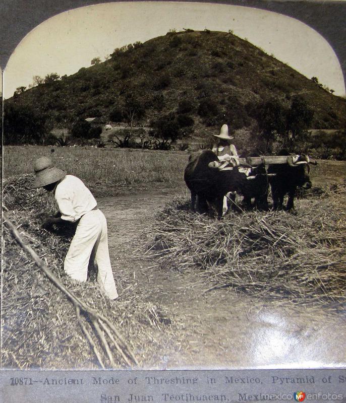 Arando en las cercanias de Hacia 1900