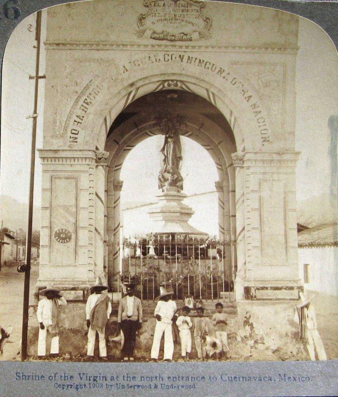 Ermita de la Virgen en la entrada Hacia 1900