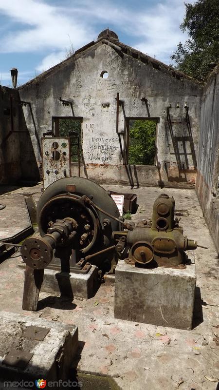 Ruinas de la antigua hidroelectrica de Quetzalapan. Mayo/2014