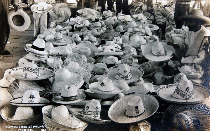Vendedor de Sombreros Hacia 1945