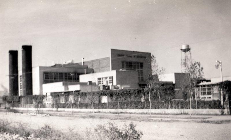 Planta eléctrica (foto Charles Barker, 1949)