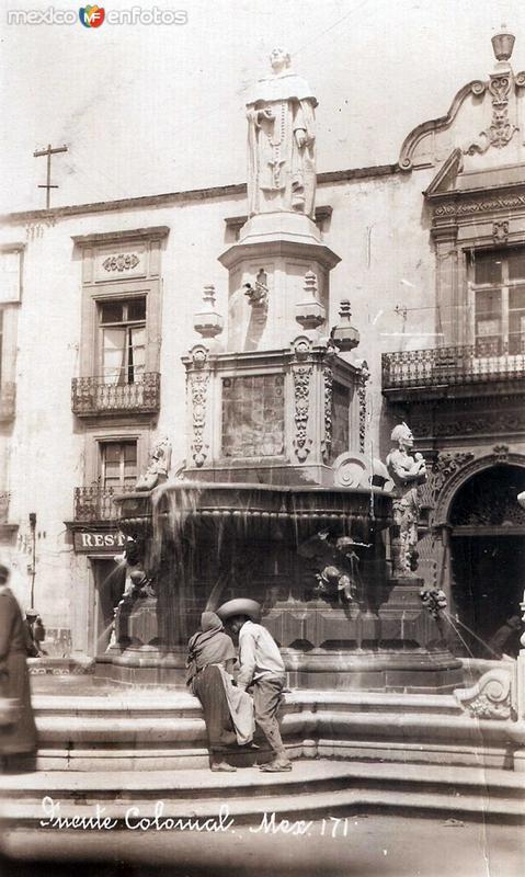 Fuente Colonial Hacia 1930