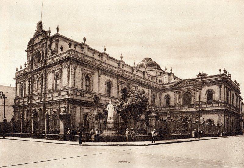 Biblioteca Nacional y Estatua de Alejandro Humboldt (circa 1920)