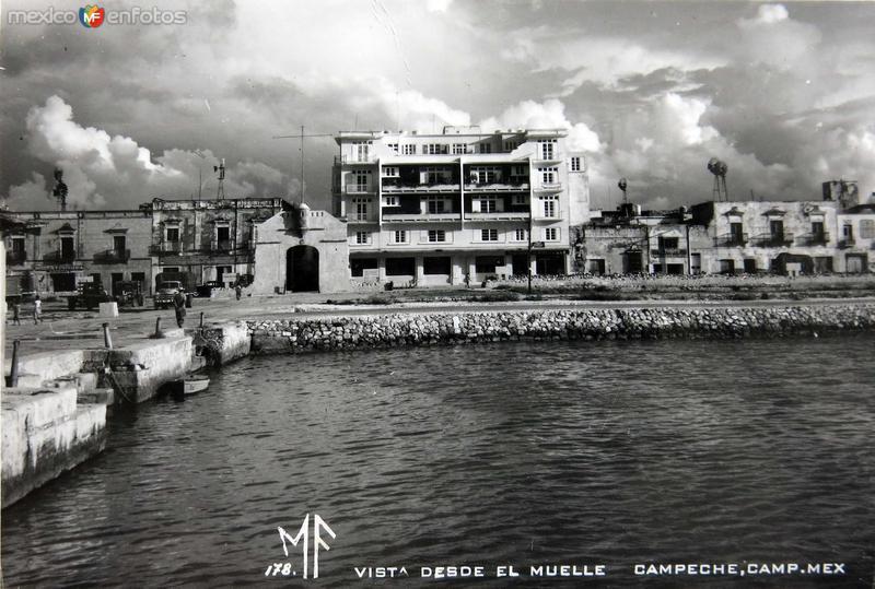 Vista del Muelle Hacia 1945