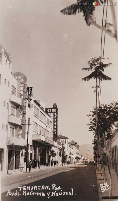 Avenida Reforma y Nacional Hacia 1945