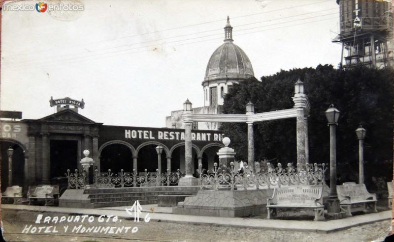Hotel y Monumento Hacia 1945