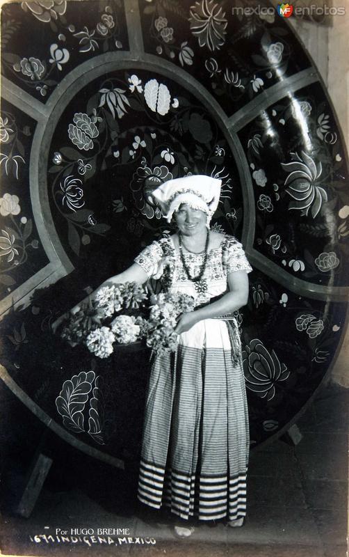 Indigena Michoacana Por HUGO BREHME Hacia 1930